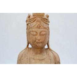 Naturstein stehender Buddha