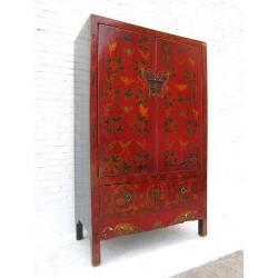 Antique Chinese cabinet...