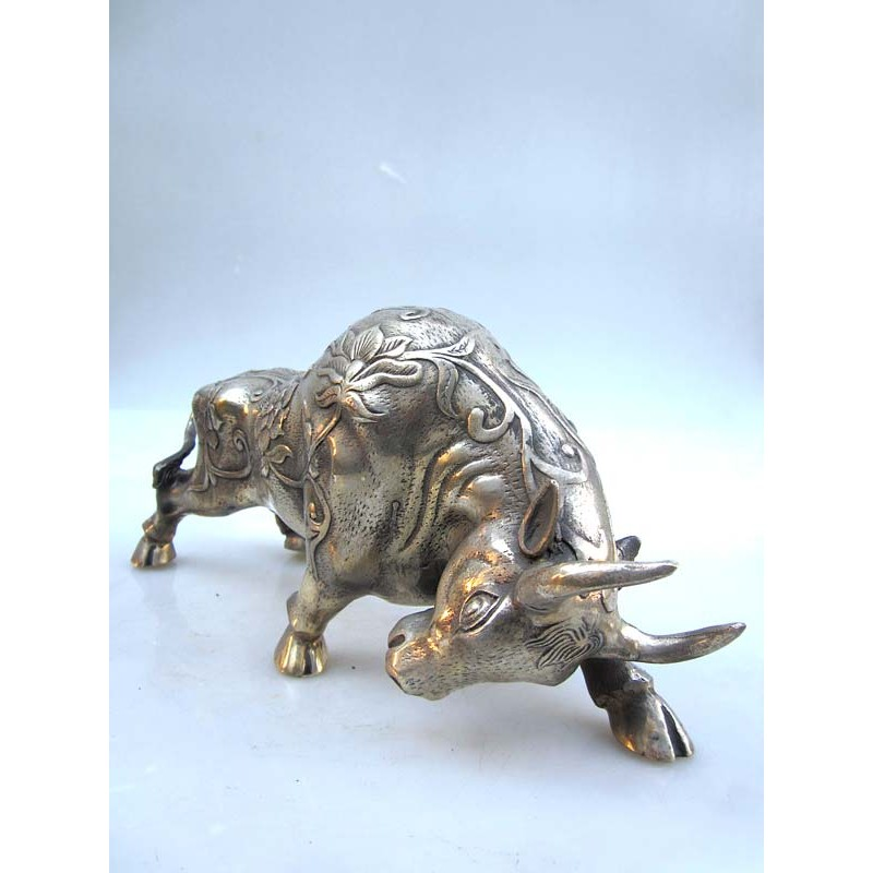 Bull in silvered bronze carved