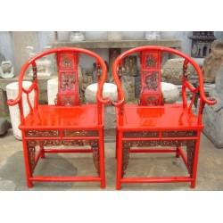 Rote chinesische Stühle...