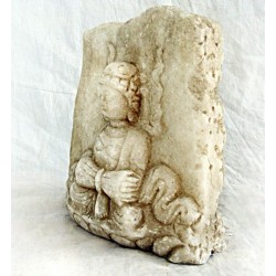 Pierre murale chinoise avec  Bouddha assis