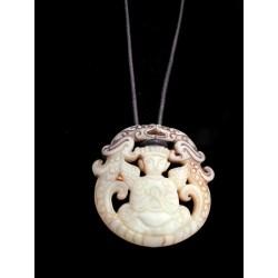 pendentif-en-pierre-naturelle-avec-bouddha-ailé
