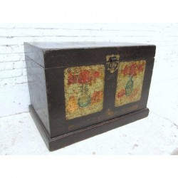 Chinese trunk with vases 89 cm
