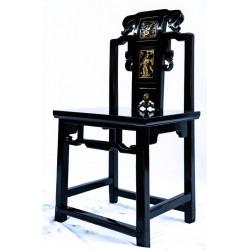 Schwarz lackierter Damen-Stuhl
