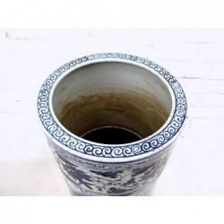 Chinese umbrella pot. Blue-white