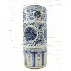 Chinese umbrella pot in blue-white