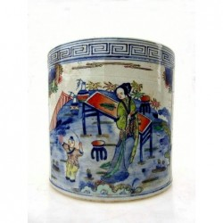 Chinese brush pot. Blue-white