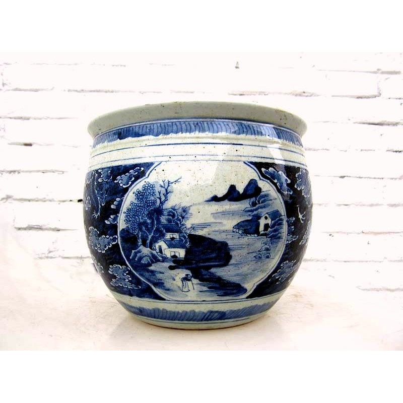 Chinese planter. Blue-white
