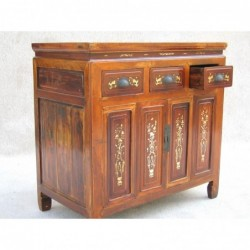 Small Chinese sideboard...
