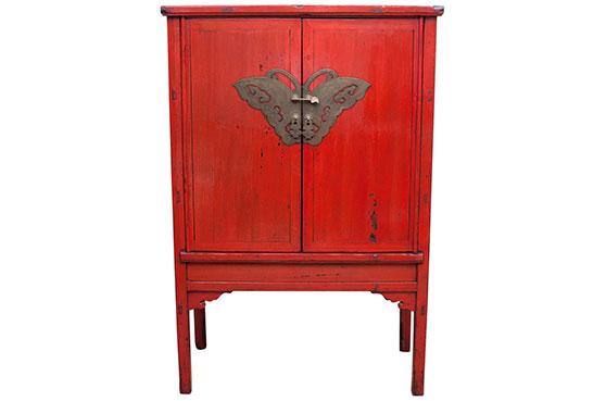 Cabinet rouge laqué